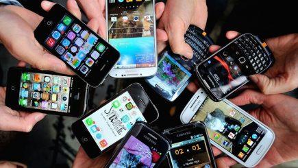 În 2020, deținătorii de telefoane mobile vor depăşi numărul celor care au electricitate sau apă potabilă