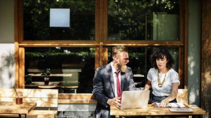 Angajatorii vor avea mai puține responsabilități privind locul de telemuncă
