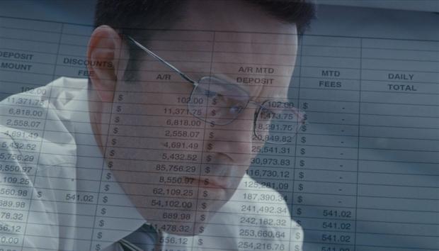 """Câștigătorul invitației duble la filmul """"The Accountant"""""""