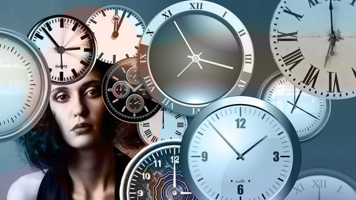 """Cum reușesc anumite persoane să realizeze atât de multe într-o zi? Iluzia """"nu am timp"""""""