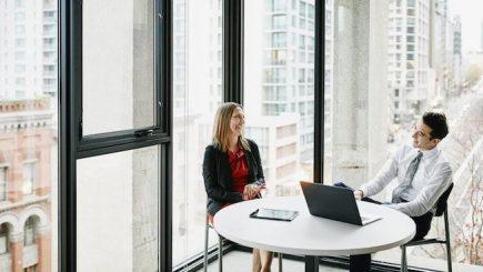 Succesul la interviul de angajare. Cum trebuie să răspunzi la întrebările puse de angajator