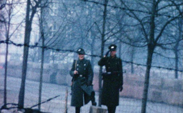 25 de ani de la căderea Zidului Berlinului - proiecții și dezbateri la Cinepolitica Extra Time
