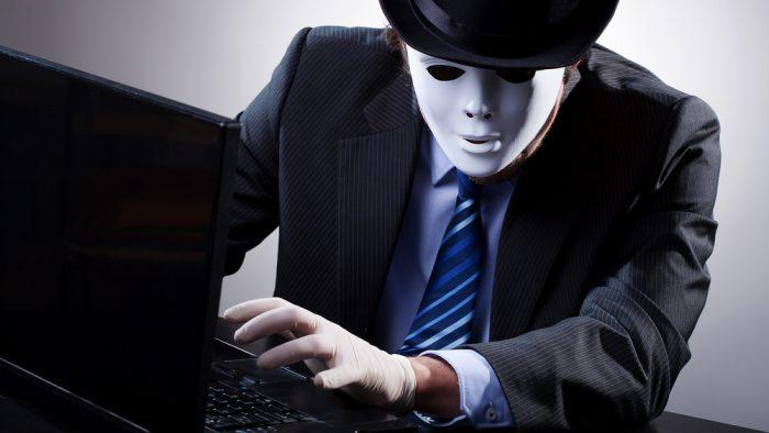 Peste jumătate din angajații români se consideră expuși la vulnerabilitățile cibernetice la job