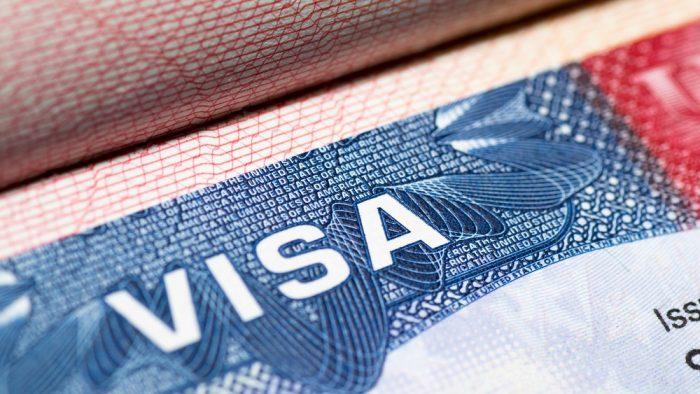 SUA suspendă temporar acordarea de vize pentru ruși
