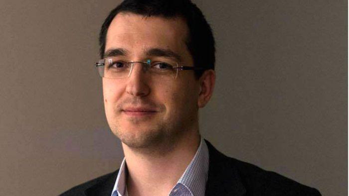 Vlad Voiculescu se încăpățânează să fie speranța magică a copiilor bolnavi de cancer și a familiilor lor