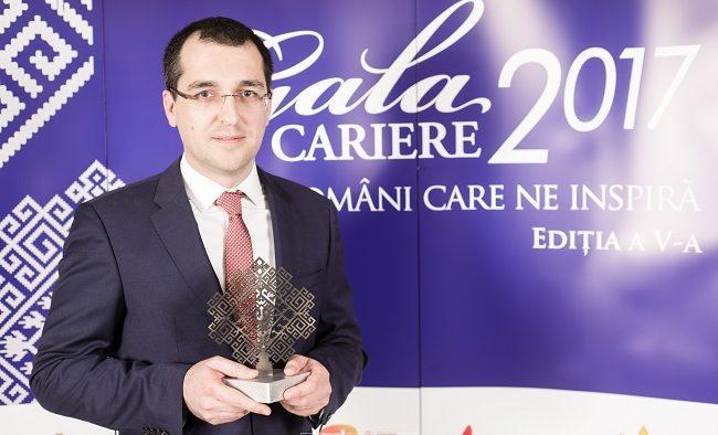 "Vlad Voiculescu a câștigat premiul Liderii noii Românii la Gala Revistei CARIERE 2017: ""Nu voi sta deoparte!"""