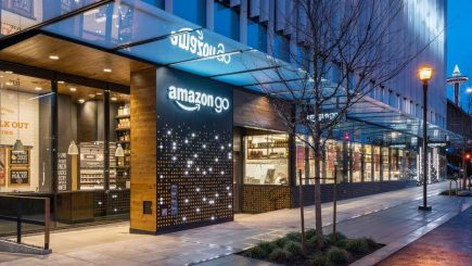 Anchetă. Angajați Amazon bănuiți că au vândut informații confidențiale către comercianți
