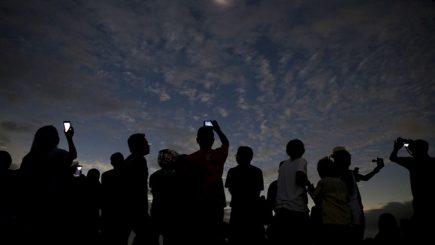 Despre unicitate și tinerii români care au răspuns provocării NASA