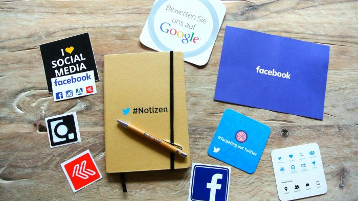 Viața de dinainte și după Facebook