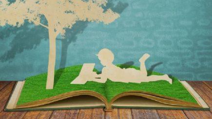 """Patzaichin: """"Să încurajăm copiii să își scrie poveștile. Să le fie de bun augur în viață!"""""""