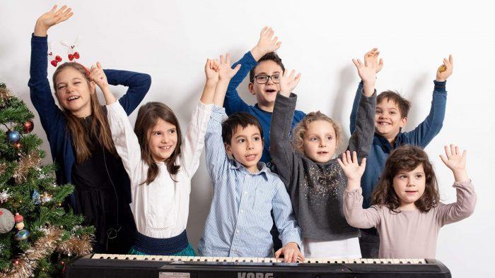 Concert caritabil. Irina Sîrbu Band și elevii școlii Sonore WE vor cânta colinde de Crăciun pentru Alexandru