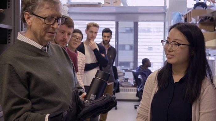 """Cele """"1.000 de fețe"""" ale tehnologiei cu care s-a confruntat Bill Gates"""