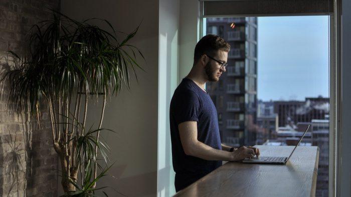 Moda birourilor open space a apus. Generațiile tinere optează pentru spații individuale