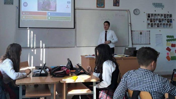 Începe selecția școlilor de la sate pentru Digitaliada