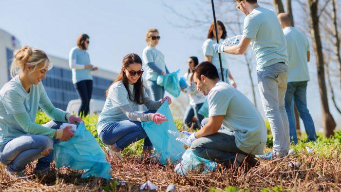 Care sunt beneficiile voluntariatului și de ce ar trebui să te implici în astfel de activități
