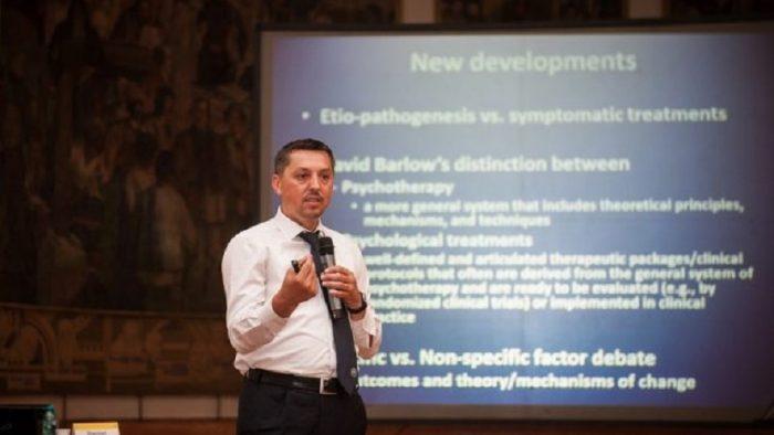 Daniel David: Românii trebuie să facă saltul de la valorile de supraviețuire la valorile de emancipare