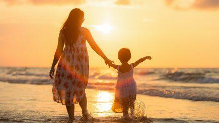 Părinți care lucrează. Roxana Domnica: Ca antreprenor e mai greu să iei o pauză (XI)