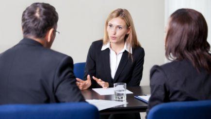 Cum ne putem dezvolta asertivitatea la locul de muncă? Câteva strategii utile!