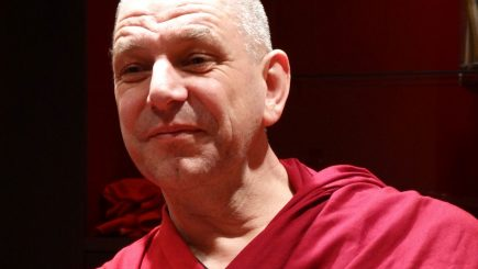 În căutarea fericirii. Povestea olandezului care la 41 de ani a renunțat la viața sa prosperă și a devenit călugăr budist