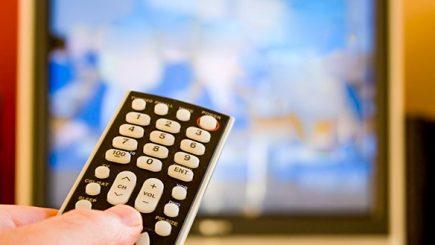 Românii și televizorul, o prietenie sinceră. Cât câștigă televiziunile!