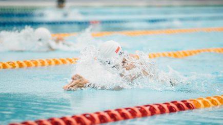 Români care înoată pentru a-i ajuta pe alții. Luciana Zaharia: Empatia și curajul sunt două ingrediente cu care poți reinventa lumea!