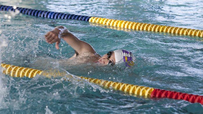 Români care înoată pentru a-i ajuta pe alții. Silvia Furnea: Fă bine și vei fi mai fericit!