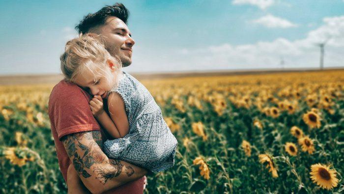 Când amintirile din copilărie ale adulților salvează copilării în derivă