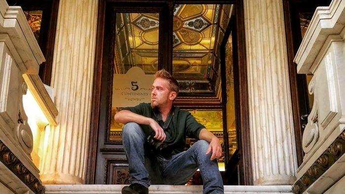 Dragoș ANDREESCU, graphic designer-ul care dă culoare istoriei și redescoperă monumentele uitate ale Olteniei