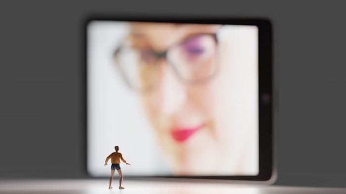 Cum să-ți păstrezi și să-ți crești vizibilitatea când lucrezi de acasă și nu numai