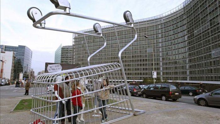 Aproape jumătate dintre tinerii români preferă produsele Made in Ro, iar 68% pe cele eco-friendly