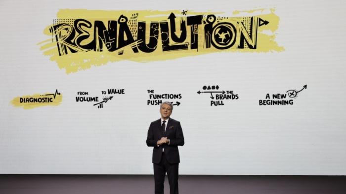 """Unul dintre cei mai mari constructori auto abordează un nou model de business: """"Renaulution"""""""