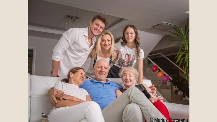 Tată la puterea a patra: Leszek Wacirz și fascinanta sa experiență de a fi părinte