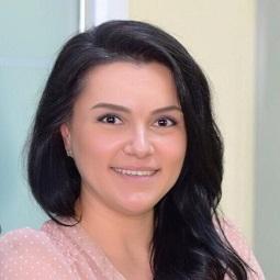 <p><strong>Elisabeta Moldoveanu</strong></p>