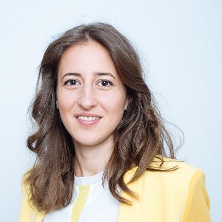 <p><strong>Iulia Buciuman</strong></p>