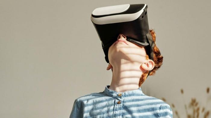 """Inteligența emoțională și efectele tehnologiei asupra Generației """"Nativ Digital"""""""