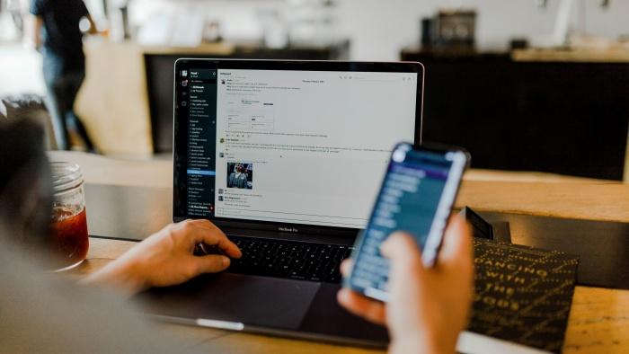 Outsourcing, soluția care optimizează activitatea departamentelor HR